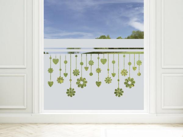 Sichtschutzfolie mit Blumen und Herzen