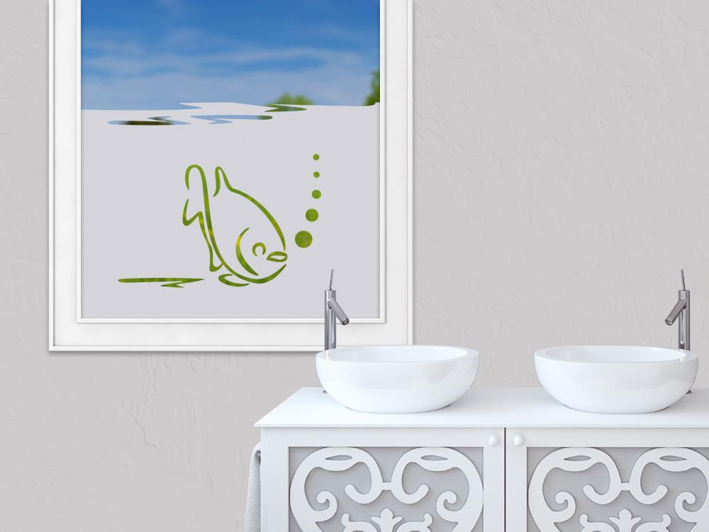 blickdichte sichtschutzfolie f r das badezimmer mit einem fisch. Black Bedroom Furniture Sets. Home Design Ideas