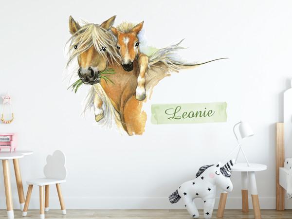 Wandtattoo Pferd mit Fohlen und Wunschname